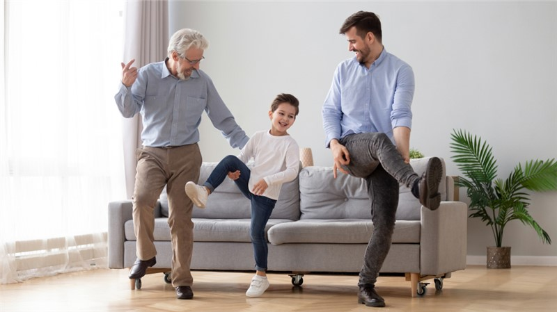 The Pros and Cons of Moving Closer to Your Children & Grandkids
