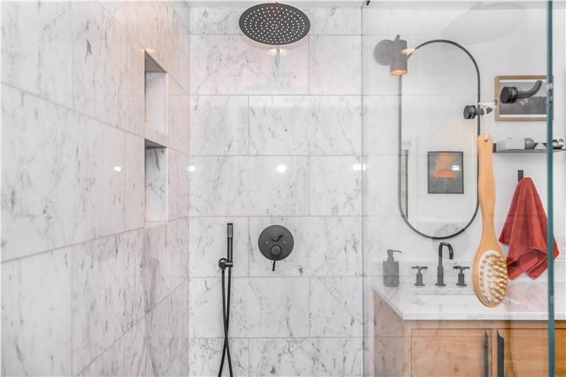 5 Signs It's Time to Remodel Your Florida Bathroom