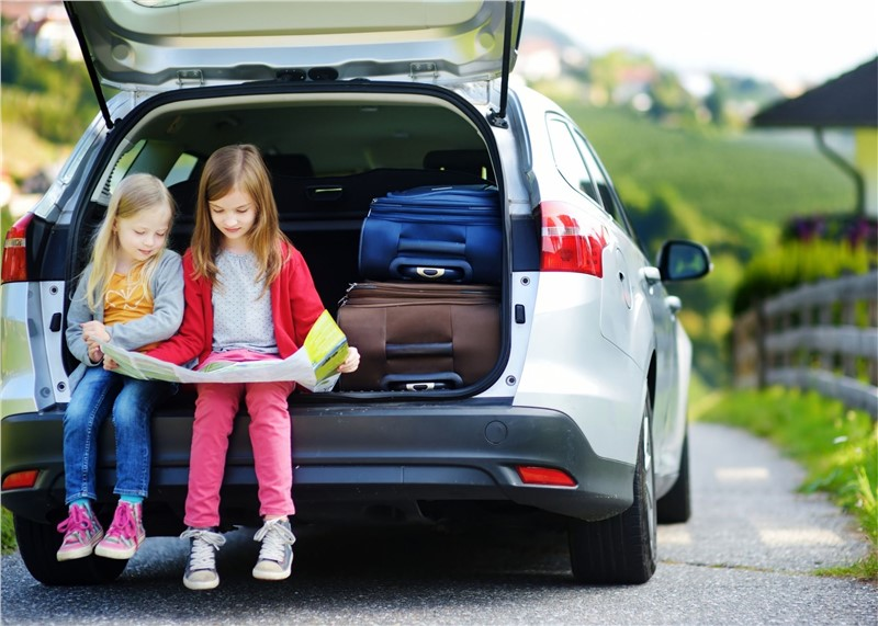 8 Essential Items to Pack in Your Car for a Long-distance Move