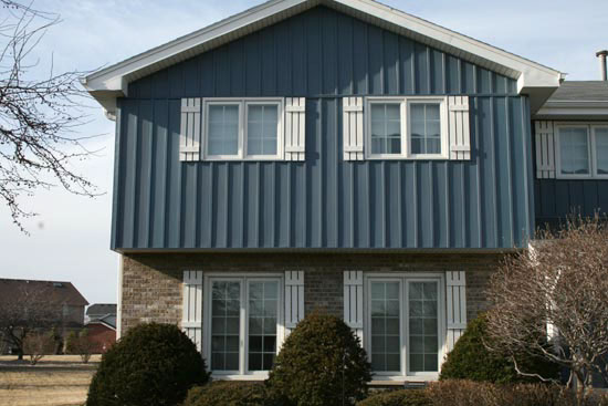 Guide to Vertical Siding for Homes
