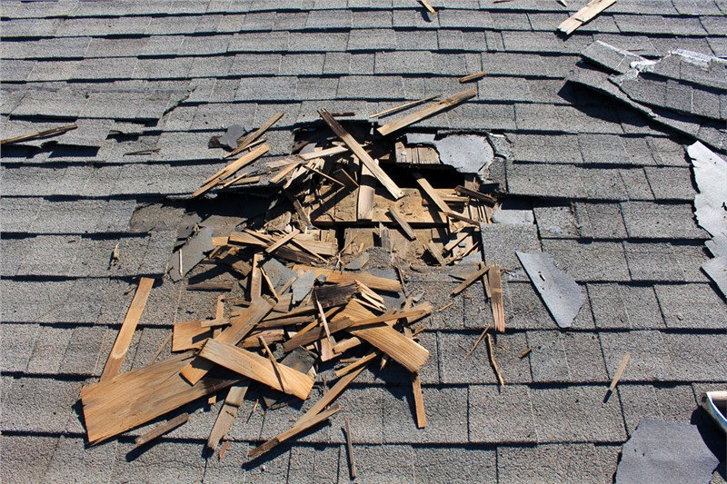 Roof Repair and Replacement After a Storm