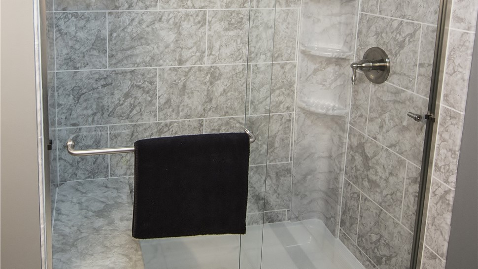 Showers - Shower Surrounds Photo 1