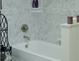 Bathtubs - Bath Wall Surrounds Photo 4