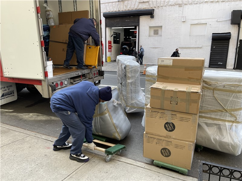 Why Interior Designers in NYC Choose Experienced Movers