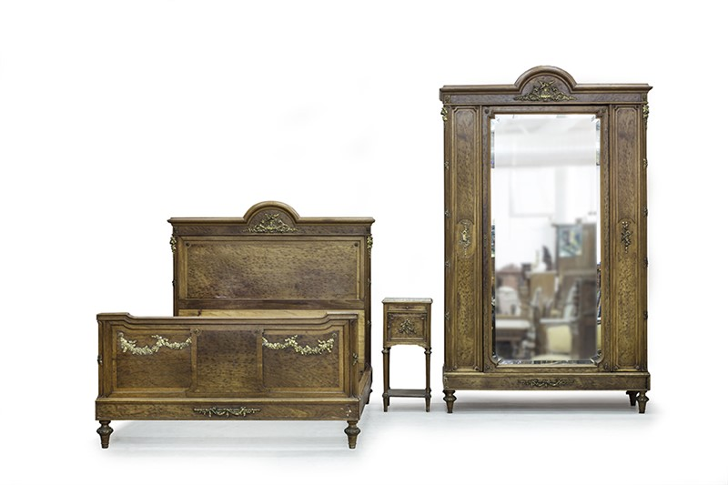 3 Important Steps to Take Before Moving Antique Furniture